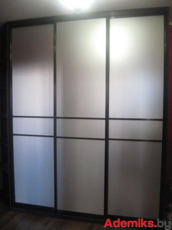Шкафы-купе в гостиную - Встроенные шкафы-купе - Угловые шкафы-купе в интерьере гостиной вы можете